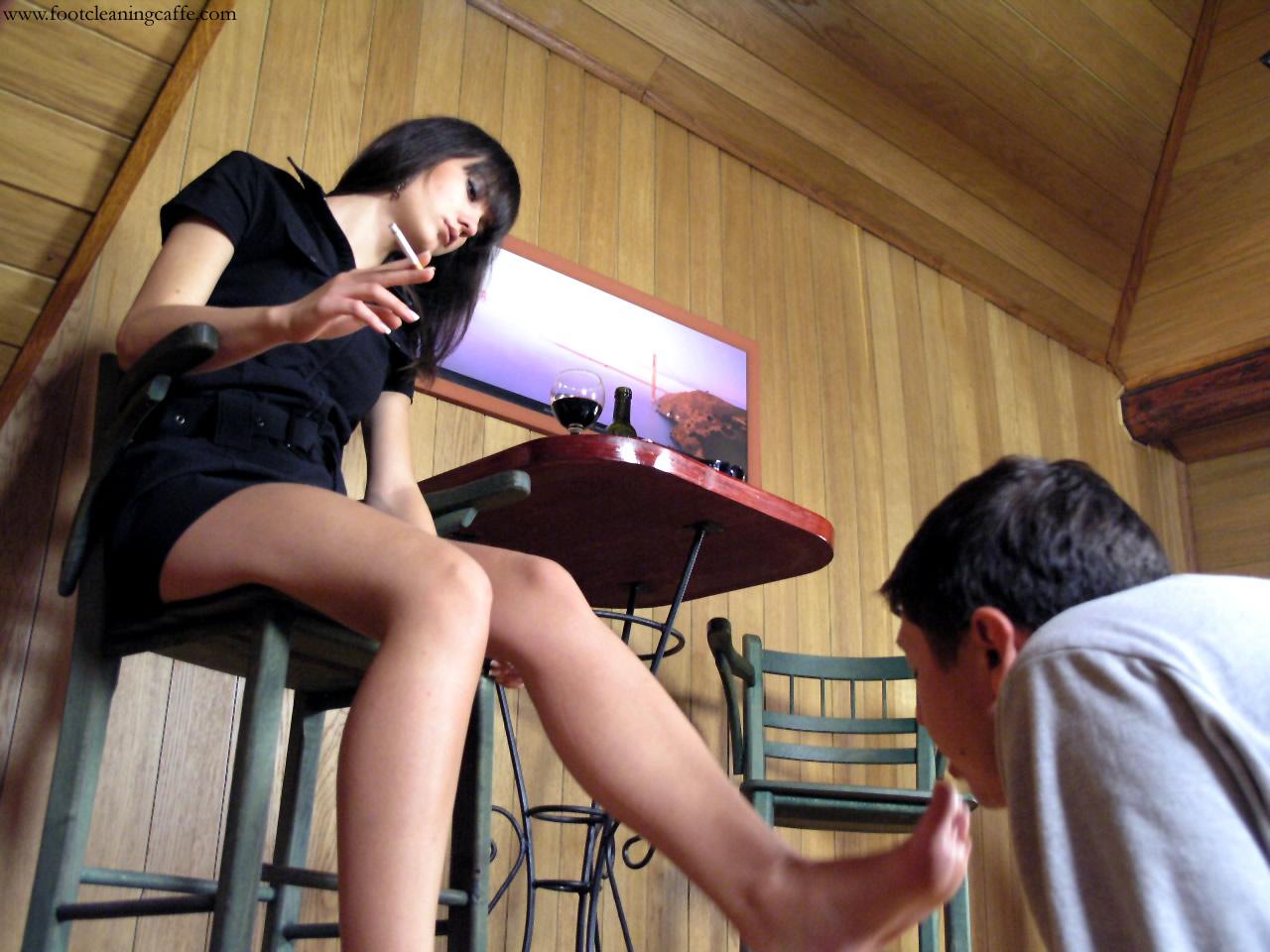 Целовать ножки жены, а ваши мужчины целуют вам ноги? страница 4 2 фотография