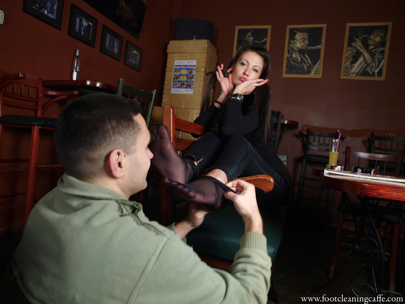 Целовать ножки жены, а ваши мужчины целуют вам ноги? страница 4 3 фотография