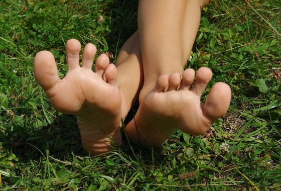 feet-on-the-grass