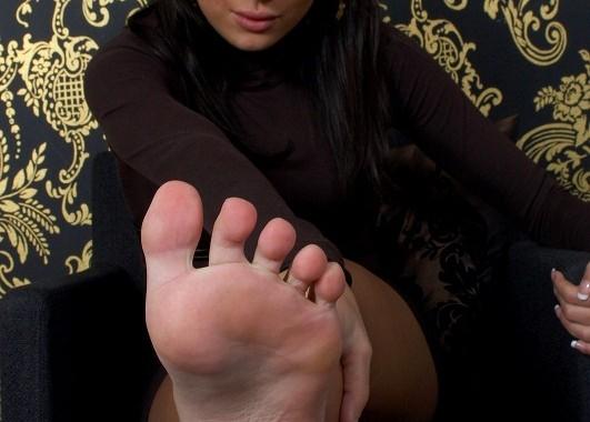 kiss-my-feet2