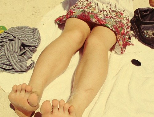let-the-sunlight-warm-those-toes