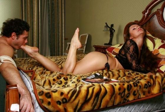 licking-mistress-legs-tied